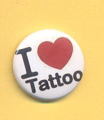 "Chapa que pone ""i love tattoo"""